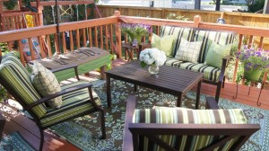 Update your outdoor patio cushions with this SEW EASY cushion cover tutorial from Confessions of a Serial Do-it-Yourselfer