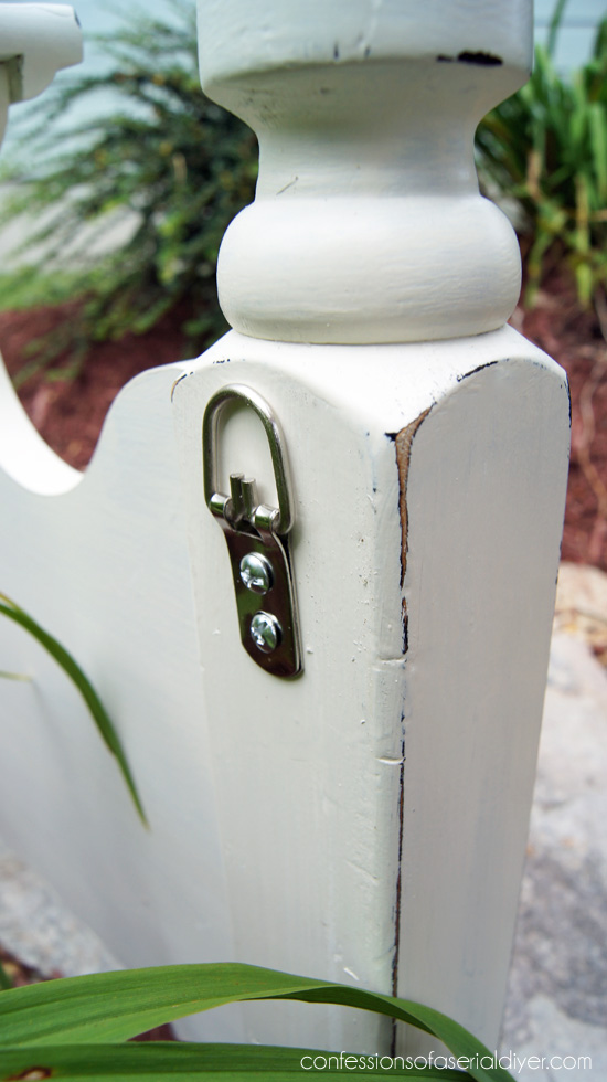 D ring hardware are perfect for hanging heavier items.