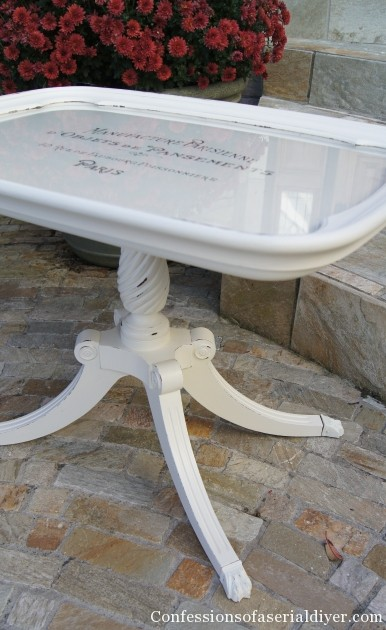 Table with removable glass tray
