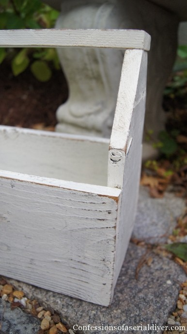 Diy Vintage Inspired Toolbox From Old Fence Pickets