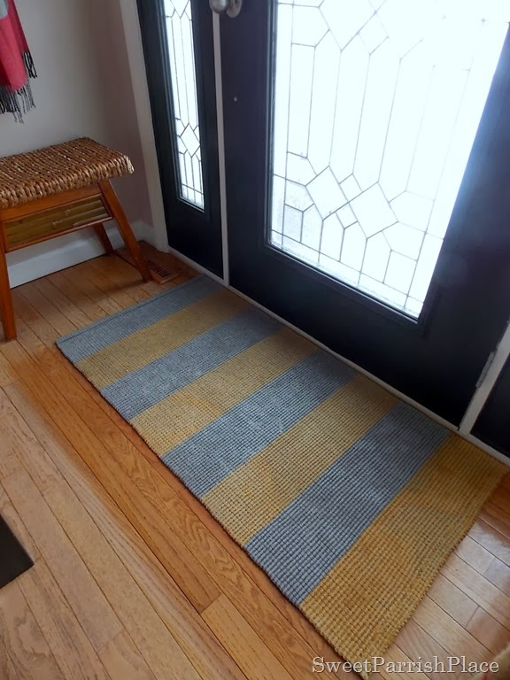 How I Painted a Sisal Rug vis Sweet Parrish Place