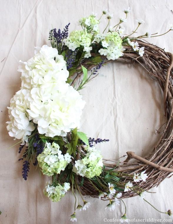 Simple Hydrangea Wreath How-to