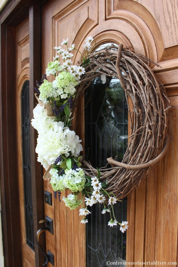 Simple Hydrangea Wreath How-to