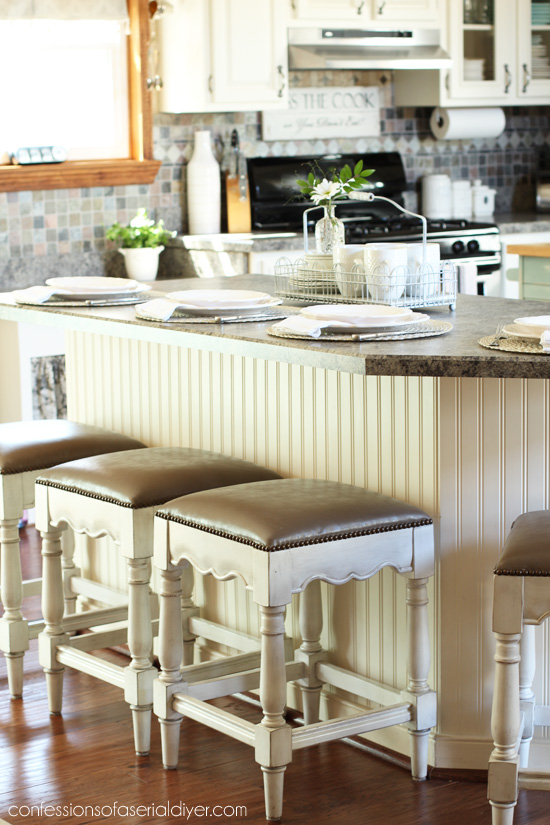 Kitchen painted in Cottage White by Behr/ Confessions of a Serial Do-it-Yourselfer