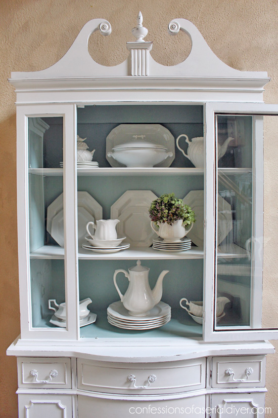 Exceptionnel Chalk Painted China Cabinet