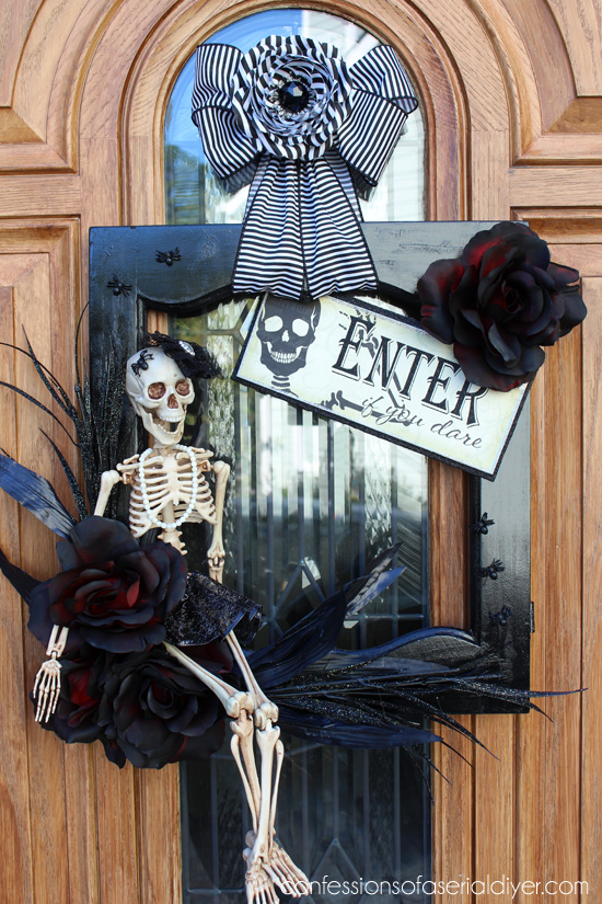 Halloween Wreath from a salvaged cabinet door & Halloween Wreath from a Cabinet Door | Confessions of a Serial Do ...