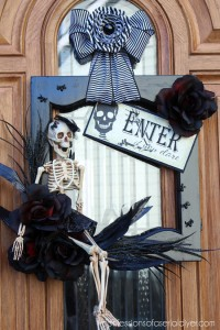 Halloween Wreath {from a Cabinet Door}
