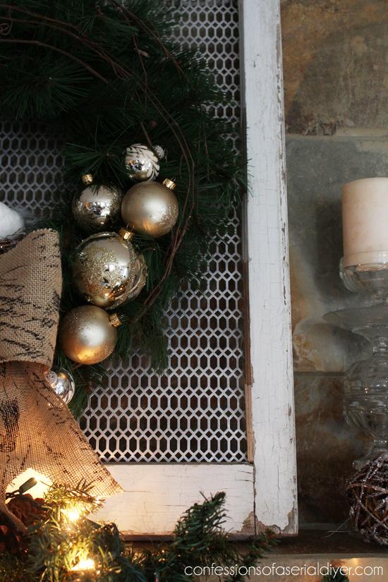 Christmas-Wreath-and-Mantel-19