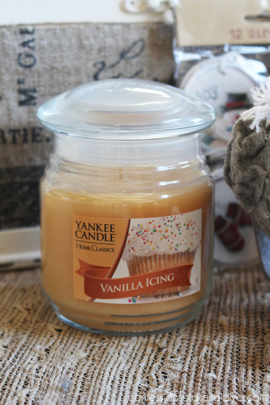 Vanilla Frosting Yankee Candle