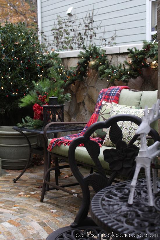 Christmas-Courtyard-24