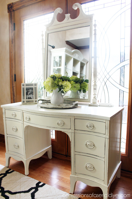 Estate Sale Dressing Table Makeover Confessions Of A Serial Do It Yourselfer