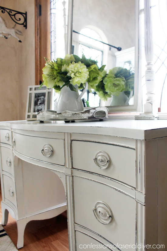 Dressing Table Makeover in Annie Sloan Old White