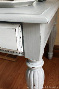 Dry-brushing white over grey gives the finish depth.
