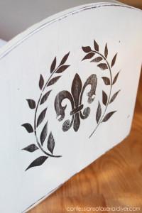 Fleur-de-lis stencil