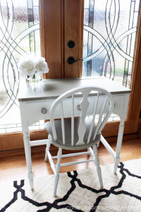 Dressing Table makeover using Annie Sloan chalk paint in French Linen