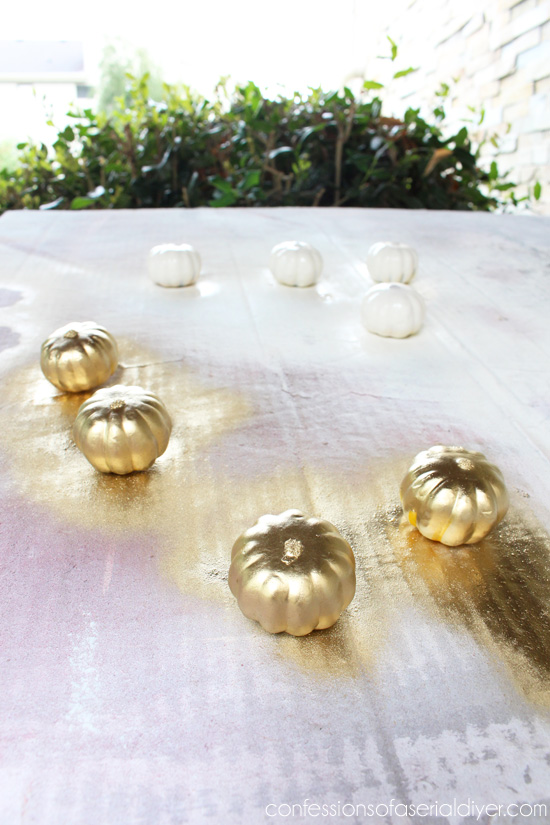 Super simple Fall mini pumpkin garland tutorial/Confessions of a Serial Do-it-Yourselfer