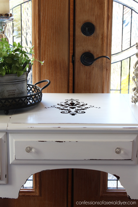 Black-and-White-Dressing-Table-22