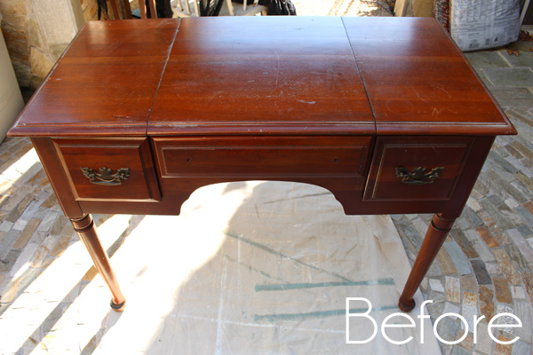 Black-and-White-Dressing-Table-before