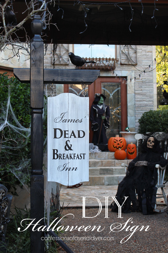 Make this BHG-Inspired Halloween sign using a mailbox post! Confessions of a Serial Do-it-Yourselfer