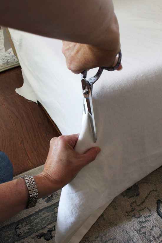 How to sew the corner of a sectioanl sofa without turning inside out