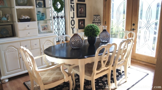 paint old dining room set. dining table and chairs makeover with