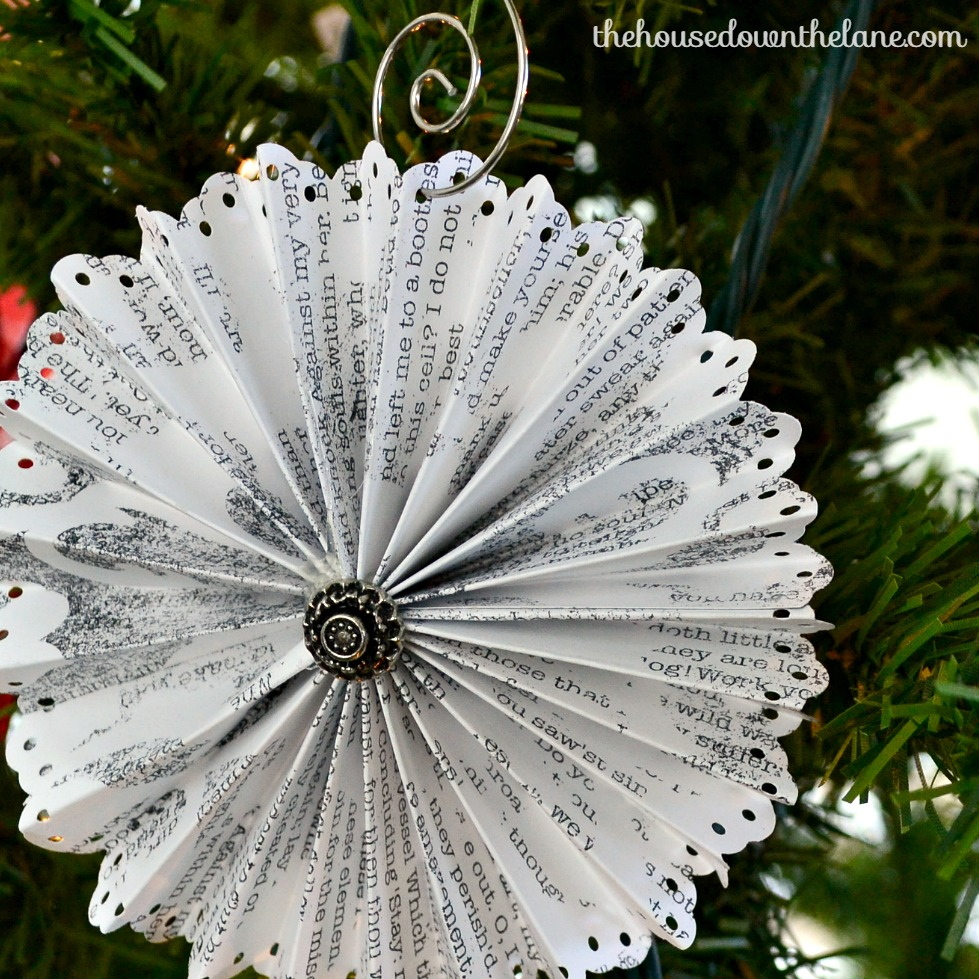 DIY Medallion Ornament in black and white on a Christmas tree.