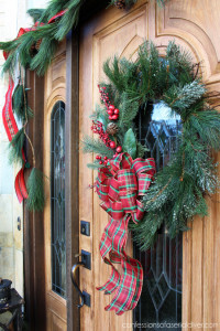 Outdoor Christmas Tour & Easiest DIY Holiday Wreath Ever