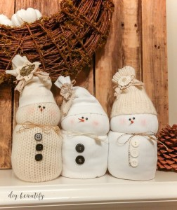DIY Sweater Snowmen from DIY Beautify