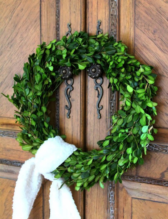 DIY Boxwood Wreath Tutorial from Duke Manor Farm