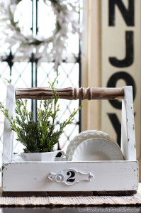 Create a one-of-a-kind wooden tote with scrap wood from Confessions of a Serial Do-it-Yourselfer