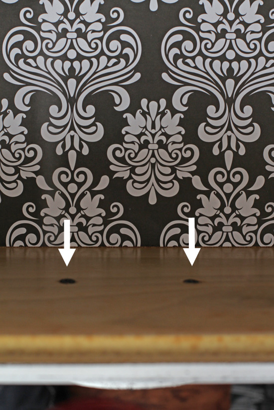 Black-and-White-Fleur-de-Lis-Dresser-12