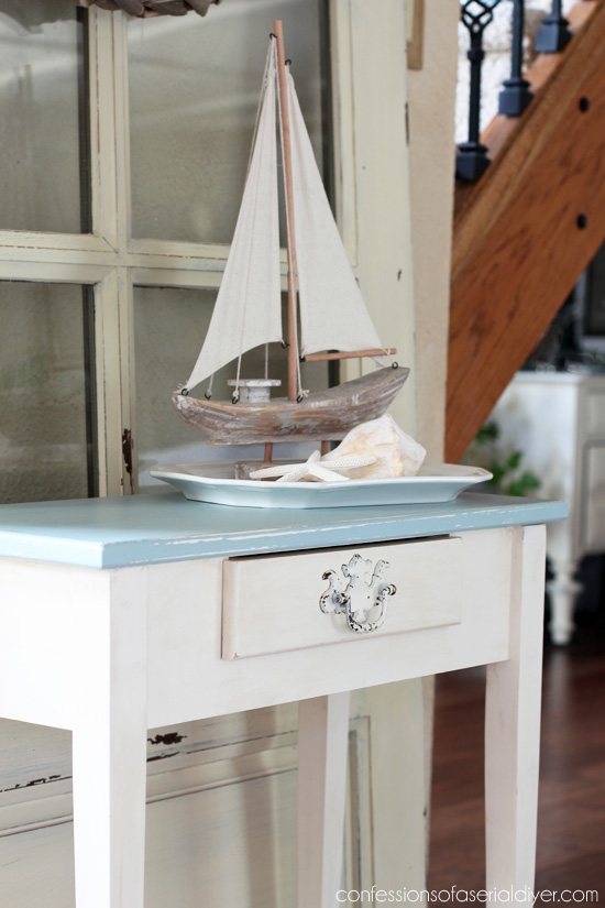 Coastal inpsired table from Confessions of a Serial Do-it-Yourselfer