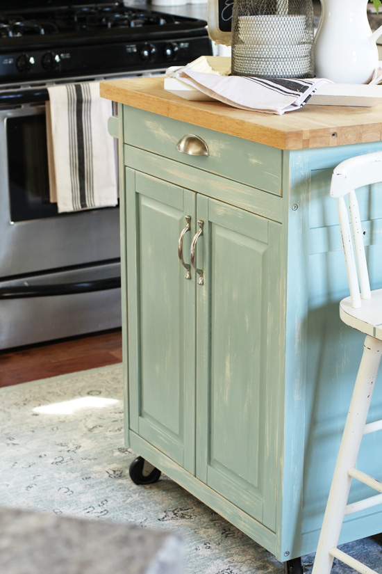 Adding Farmhouse Charm to the Kitchen from Confessions of a Serial Do-it-Yourselfer