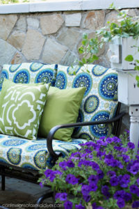 Outdoor Glider Bench Makeover