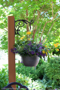 DIY Standing Outdoor Plant Hanger