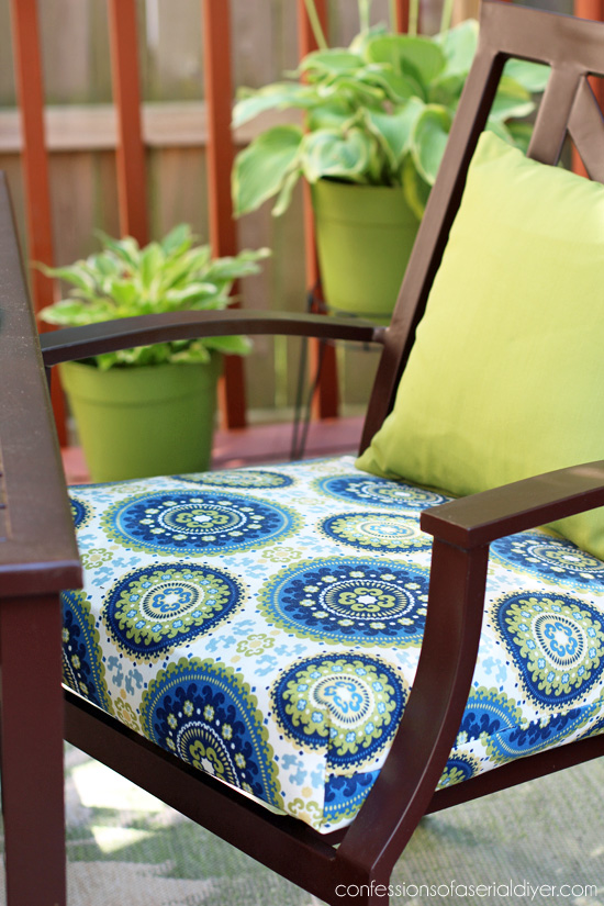 Patio Set Makeover using my Sew EASY Cushion Cover tutorial/Confessions of a Serial Do-it-Yourselfer