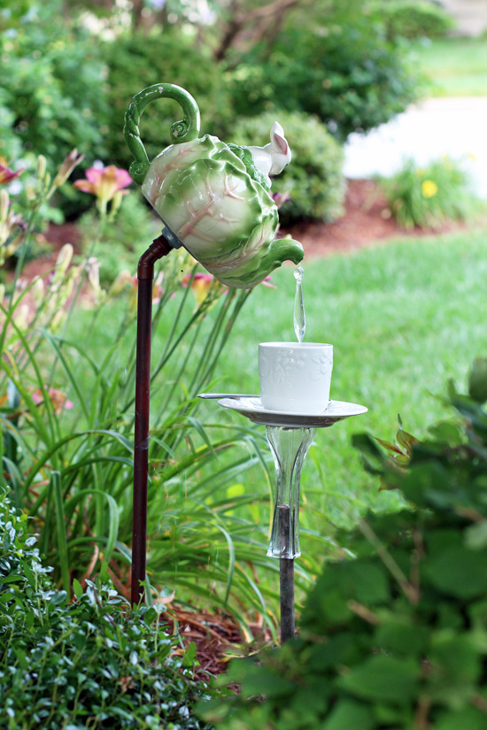 Teapot garden feature.