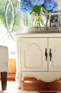 French Provincial End Table Update {Painted with Paint Sprayer}