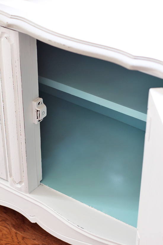Krylon in Aqua is the perfect way to update the inside