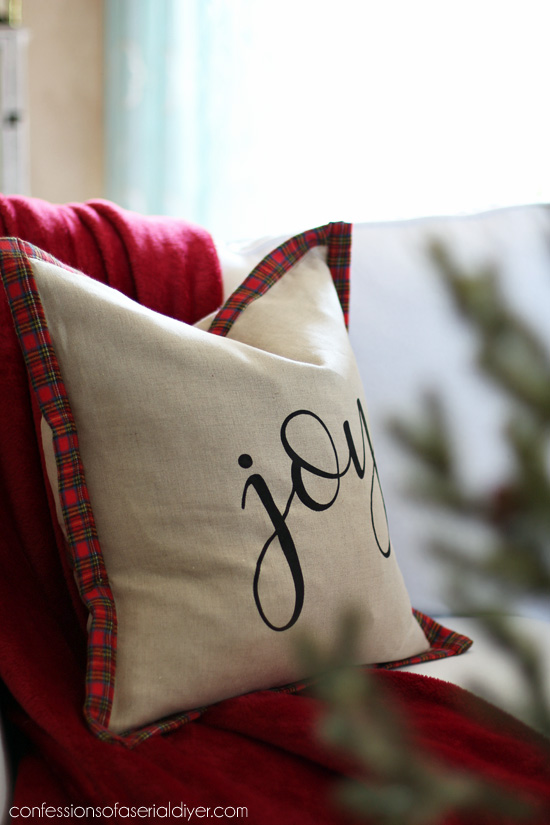 How to make a pillow with binding from confessionsofaserialdiyer.com
