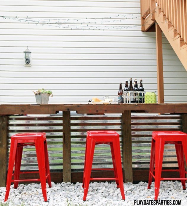 DIY Cinder Block and Pallet Outdoor Bar from From Playdates to Parties