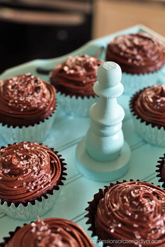 DIY Cupcake Stand During