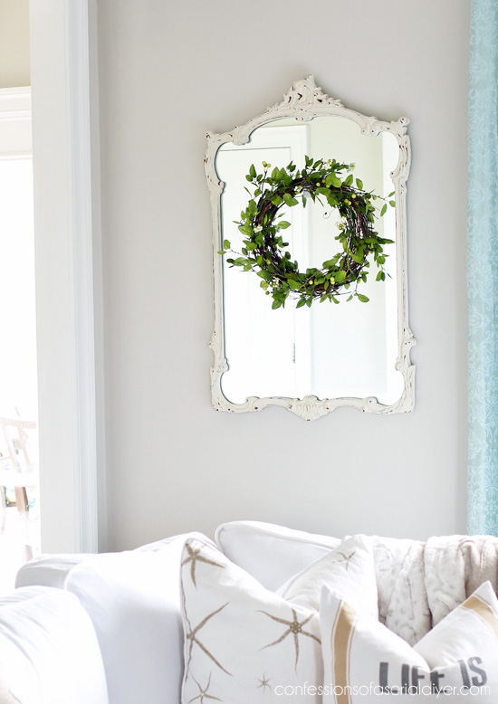 How to make a simple greenery wreath from confessionsofaserialdiyer.com