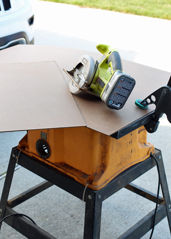 Cutting chalkboards is easy with my Ryobi circular saw.