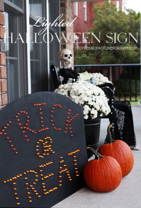 DIY Lighted Halloween Sign