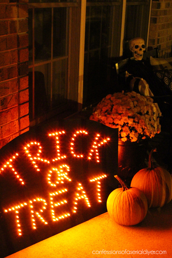 DIY Illuminated Halloween Sign