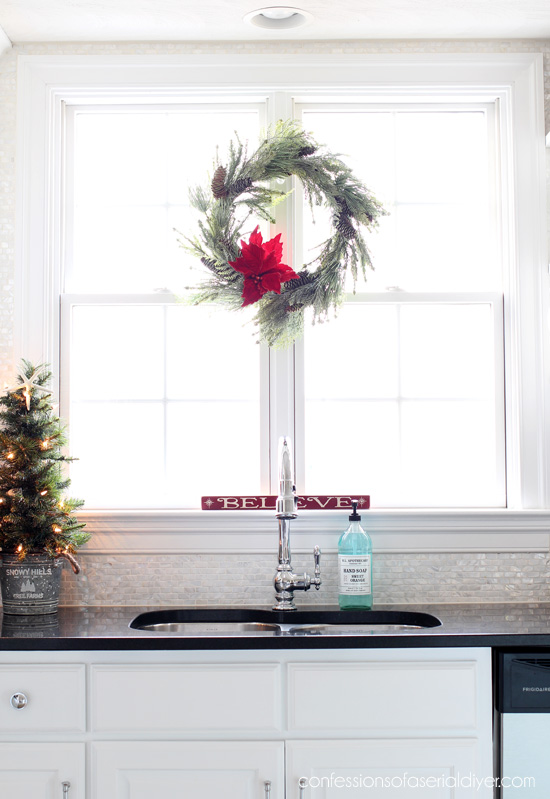 Christmas in the kitchen from confessionsofaserialdiyer.com