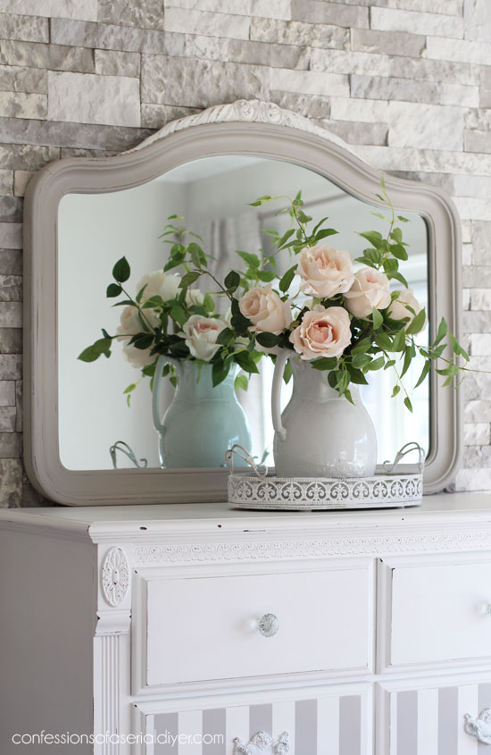 1947 thrift store mirror gets an update with Annie Sloan chalk paint.