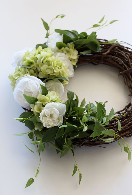 Making a Spring Hydrangea Wreath