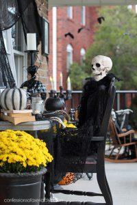 Spooky Halloween Porch decor
